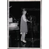 1967 Press Photo Sandi Ames, Singer - RRW26775