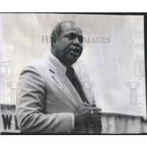 1975 Press Photo Civil Rights Leader James Farmer Chicago - RSC75857