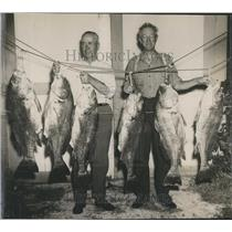 1948 Press Photo Floyd Redman & Rev. Charles Van Horn Fishermen & their catch