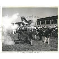 PressPhoto Booming tribute is paid to Old Glory by Civil war buffs of 1st Oregon