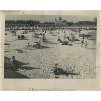 1961 Press Photo Sunbathers (Sun Bathers) at Spa Beach in St. Petersburg Florida