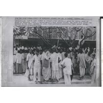1964 Press Photo Food Ration Card line during a food crisis in Calcutta