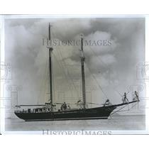 Press Photo Chartered Yacht cruising at the Virgin Island. - RSH96421
