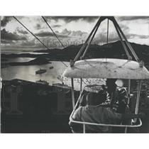 1975 Press Photo Tourist enjoying cable car ride on St Thomas, Virgin Islands