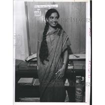 Press Photo An Indian lady in a sari - RSH91565