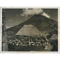 Press Photo Native Huts Nesled Alongside Lake Atitlan In Guatemala - RSH83755