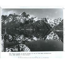 1988 Press Photo Norway Troll Fjord John Roberts A New Norway Lake Mountains