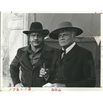 "1980 Press Photo Alex Karras and Bria Keith in ""Centennial"""
