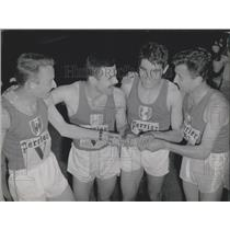 1965 Press Photo World Record Set by France in 4x1500m Race with Time of 14'58""
