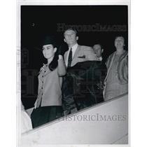 1967 Press Photo Red Sox Pitcher Jerry Stephenson & Wife Yvonne