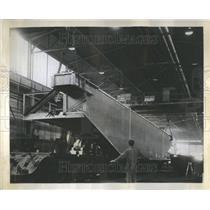 1958 Press Photo Girder World Largest Crane Reynolds