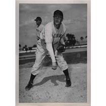 1946 Press Photo Clayton Lambert of the Cincinnati Reds