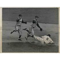 1940 Press Photo Bob Mattick and Billy Herman of Chicago Cubs