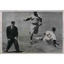 1951 Press Photo Wayne Terwilliger Cubs Out At 2nd By Eddy Stanky Giants