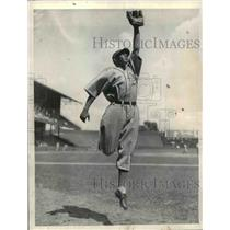 1936 Press Photo Philadelphia Athletics Baseball Infielder Rusty Peters