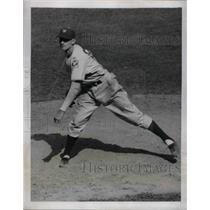 1939 Press Photo Giant Johnny McCarthy Shown On Mound Against The Pirates