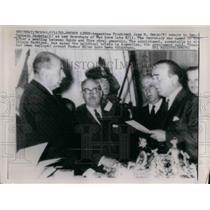 1962 Press Photo Argentine Pres Jose Quido swears in Gen Cornejo Saravia as new