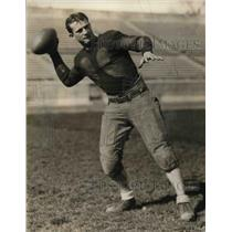 1926 Press Photo Indianapolis University Quarterback Richard Gamsen Throws Ball