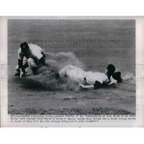 1950 Press Photo Bobby Thomson, New York Giants, Mike Goliat, Phillies