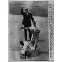 1957 Press Photo Bob Boyd, Oriole 1st Baseman, out at second base - nea18752