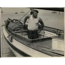 1927 Press Photo Capt Charles Wood On His Boat En Route From Frisco To Hawaii