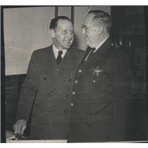 1946 Press Photo Capt Redmond P ZGibbons Germany Police - RSC73301