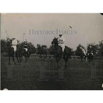 1920 Press Photo Two divisions of War Dept. polo teams playing a game