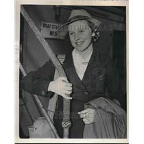 1940 Press Photo Refugee childe Stella Payler aboard Bristish liner Samaria