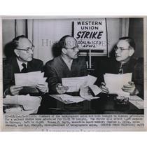 1952 Press Photo T.Smyth,C.A.Droog,R.J.Wielock Discuss Telegrapher Union Strike
