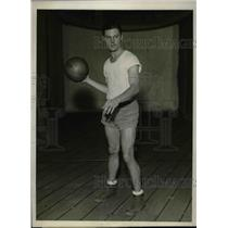 1930 Press Photo Robert McCoy, Forward for Columbia University Basketball