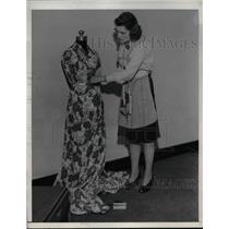 1943 Press Photo Mary Rath, Dressmaker Working on Floral Long Dress - nea59257