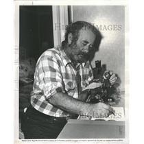 1953 Press Photo Chubby Johnson Microphone Studying