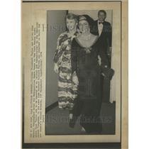 1976 Press Photo Elizabeth Taylor Actress New York - RRT00265