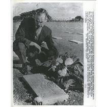 1961 Press Photo Honolulu Governor Mathew Welsh Indiana - RRT89347