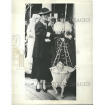 1936 Press Photo Duchess of York Girls Heritage Croft S