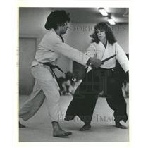 1982 Press Photo Aikido Fighting - RRT91687