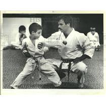 1984 Press Photo Karate Children Coach John Dipasquale - RRT24047