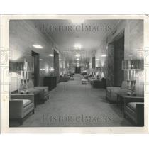 1957 Press Photo Queen Heaven Cemetery Hillside