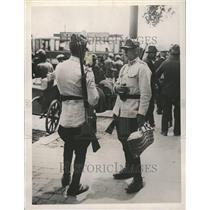 1930 Press Photo King Carol Martial Law Soldiers Guard - RRT03291