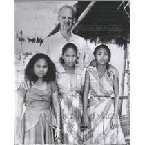 1953 Press Photo Women of the Abenlen tribe - RRT63943
