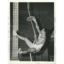 1943 Press Photo Annapolis climb Ropes Training - RRT17011