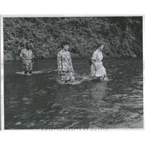1956 Press Photo Nurse Beryl Smith Native Malayan - RRT58517