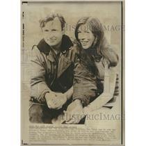 1970 Press Photo Fairfax and girlfried to row Pacific - RRT62755