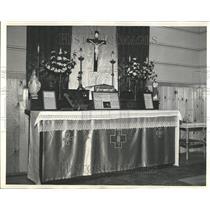 1942 Press Photo US Army Makeshift Catholic Altar