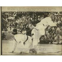 1973 Press Photo Jeff Kundert Mike Harmon Karate Match - RRT24957