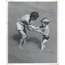 1946 Press Photo Brenda Guyor Dicky Swiming lesson Boy - RRT88819