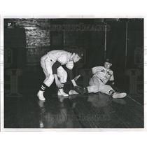 1961 Press Photo Pair Mendel Graduate Justin Len Mary - RRT18649