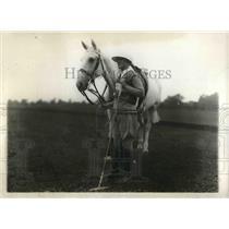 1928 Press Photo Mrs. James Hewitt, member of U. S. Ladies Eastern Polo Team