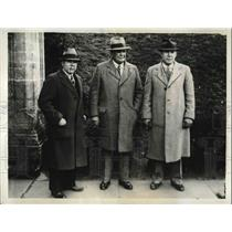 1933 Press Photo Fred Swan Line Coach,Head Coach Warner & Charles Winterburn