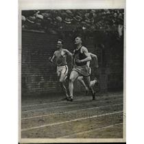 1927 Press Photo Roland Locke of Nebraska University Wins 220 Yard Sprint